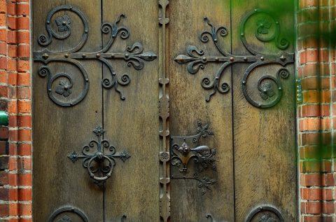 ferronnerie pour porte ancienne